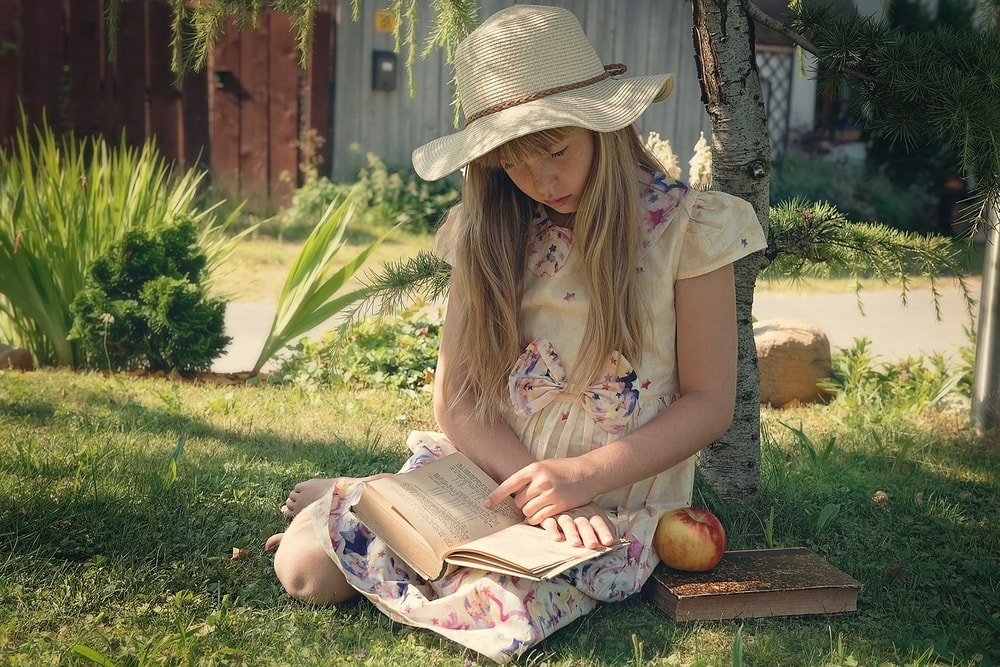 reading is a great outdoor activity