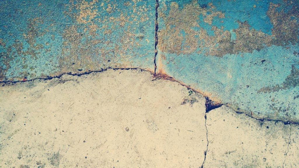 sample of cracked concrete