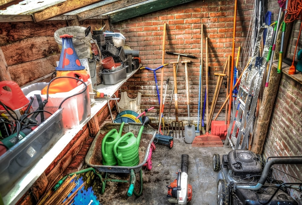 storing your tools for winter after you've cleaned them